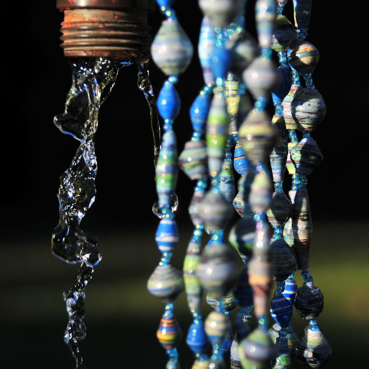 blue_56in_paperbead_necklace1
