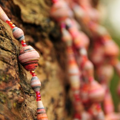 peach_55in_paperbead_necklace1